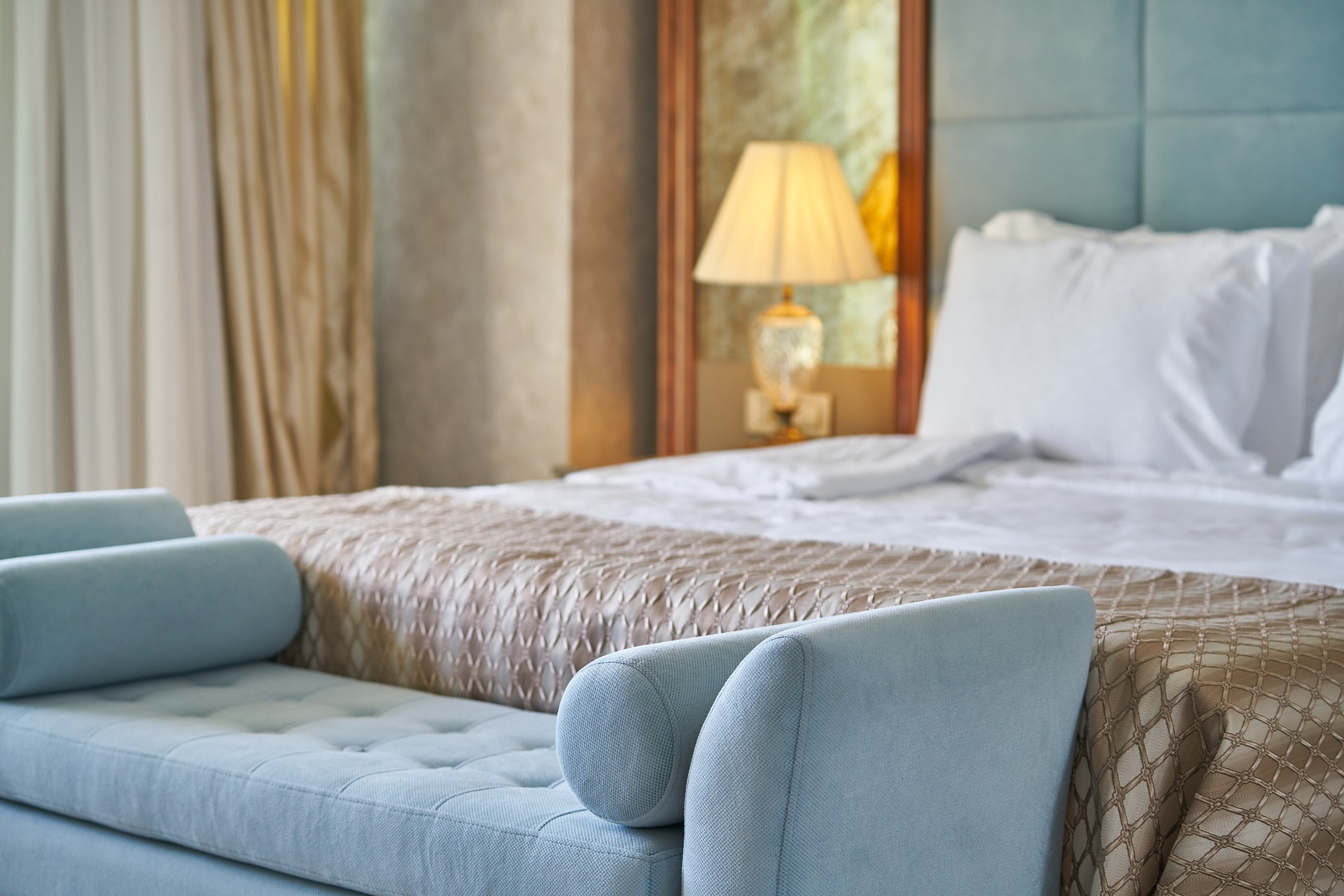 CAMARERO/A DE PISOS DE HOTEL